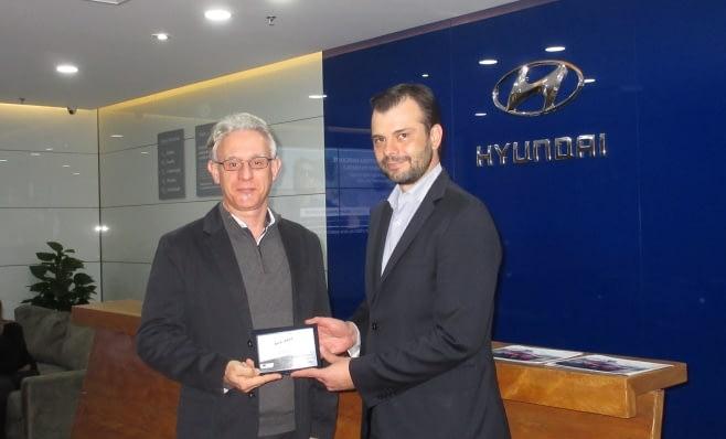 Imagem ilustrativa da notícia: Hyundai recebe placa do Prêmio AutoData