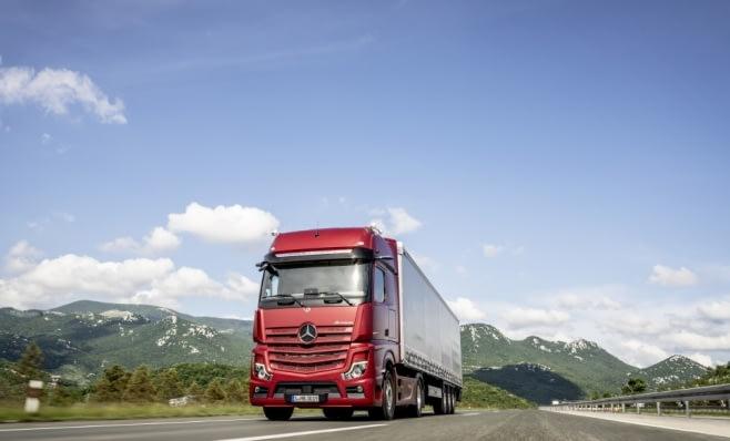 Imagem ilustrativa da notícia: Nova geração Actros é destaque da Daimler