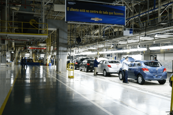 Imagem ilustrativa da notícia: A sindicato, GM admite fechar fábrica