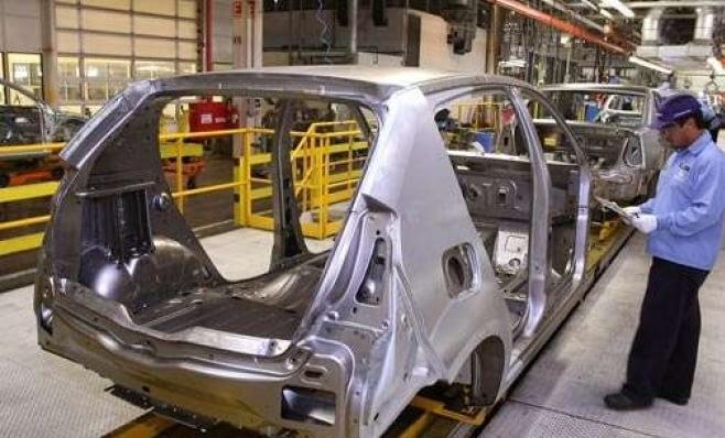 Imagem ilustrativa da notícia: Atividade econômica cresce no ano e setor automotivo tem grande participação