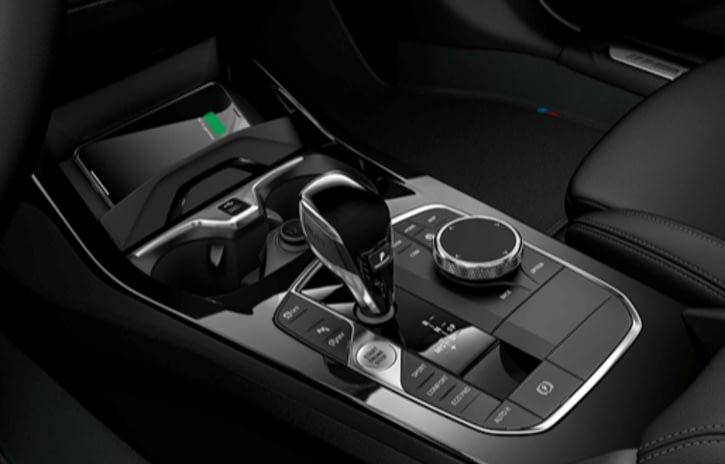 Imagem ilustrativa da notícia: BMW inclui carregador de celular sem fio em 16 modelos