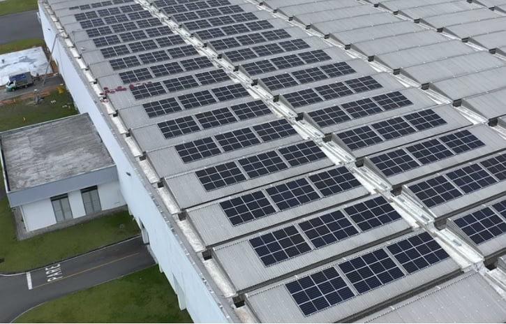 Imagem ilustrativa da notícia: BMW instala painéis solares na fábrica de Araquari