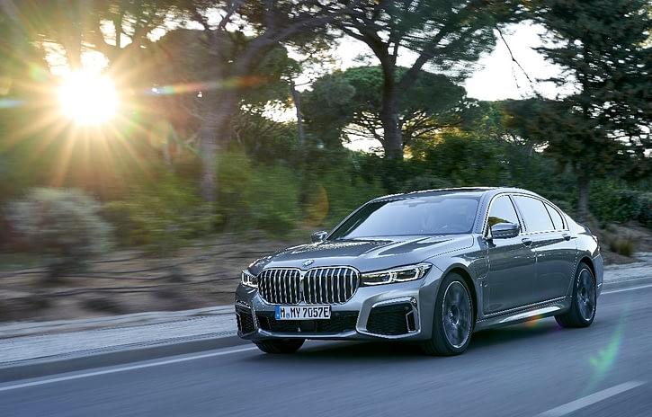 Imagem ilustrativa da notícia: BMW lança versão híbrida do Série 7