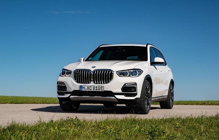 Imagem ilustrativa da notícia: BMW X5 híbrido chega importado ao Brasil