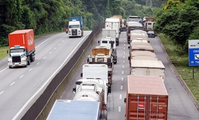 Imagem ilustrativa da notícia: Roubo de carga faz transportadoras investirem em veículos blindados