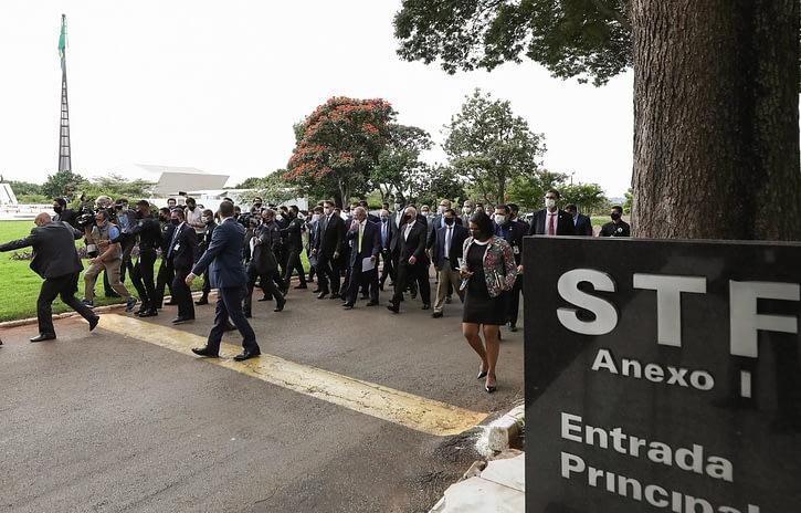 Imagem ilustrativa da notícia: Caravana surpresa pede ao STF o fim do isolamento