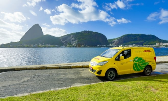 Imagem ilustrativa da notícia: DHL usa veículo elétrico para entregas