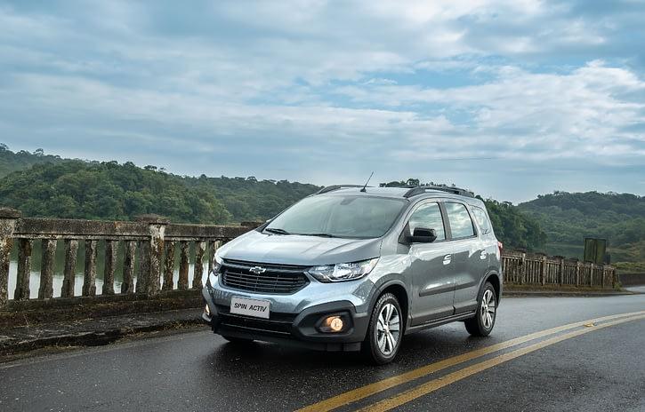 Imagem ilustrativa da notícia: Chevrolet Spin ganha itens e mudanças visuais na linha 2021