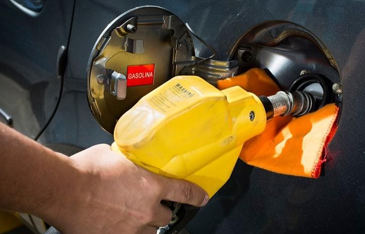 Imagem ilustrativa da notícia: Congresso quer proibir veículos a gasolina e diesel