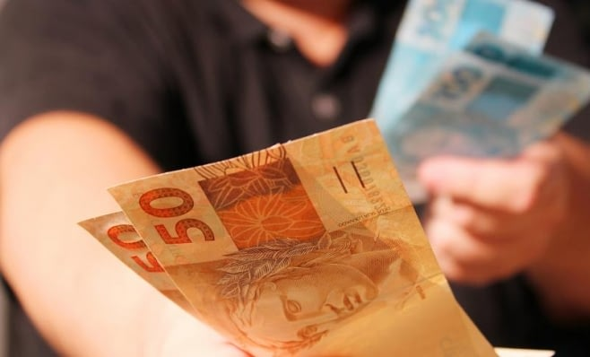 Imagem ilustrativa da notícia: Crédito para veículos atinge R$ 9,4 bilhões em novembro