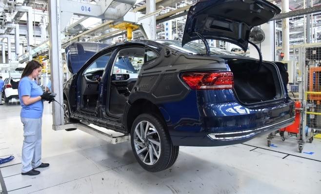 Imagem ilustrativa da notícia: Polo e Virtus trazem o terceiro turno de produção para VW SBC