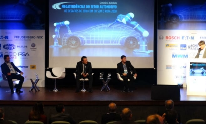 Imagem ilustrativa da notícia: Mercedes-Benz vê risco de faltar peças. FCA não.