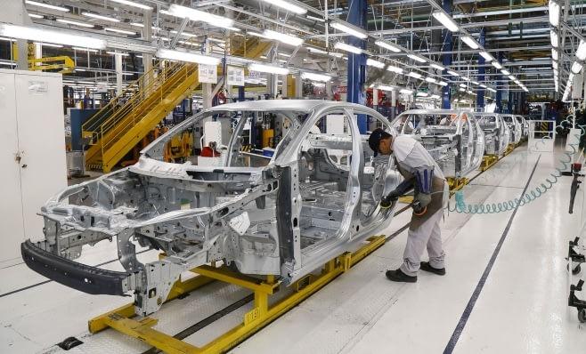 Imagem ilustrativa da notícia: Mais empresas reduzem produção na Argentina