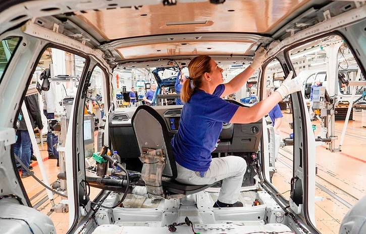Imagem ilustrativa da notícia: Fábricas mantêm ritmo de produção apesar da Argentina