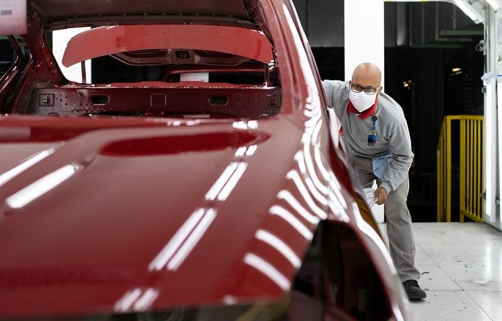Imagem ilustrativa da notícia: Falta de semicondutores força paradas programadas na Nissan Resende