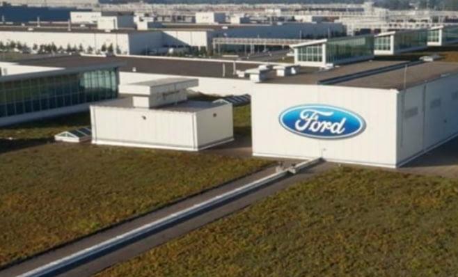 Imagem ilustrativa da notícia: Ford muda time para focar em carros convencionais