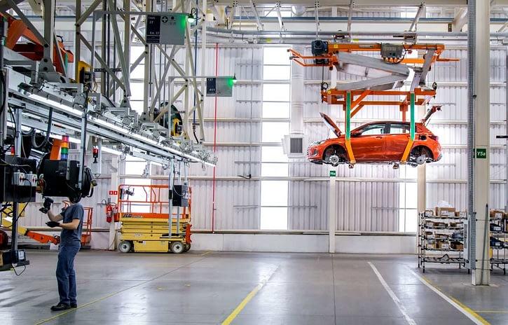 Imagem ilustrativa da notícia: GM adia para o meio de agosto o retorno da produção do Onix