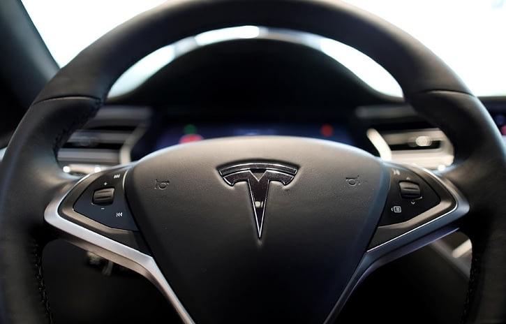 Imagem ilustrativa da notícia: Governo brasileiro vai em busca da fábrica da Tesla