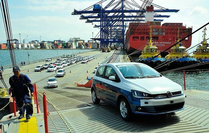 Imagem ilustrativa da notícia: Veto derrubado pelo Congresso facilita importações da indústria