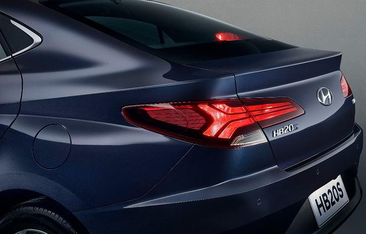Imagem ilustrativa da notícia: Hyundai revela primeira imagem da traseira do novo HB20S