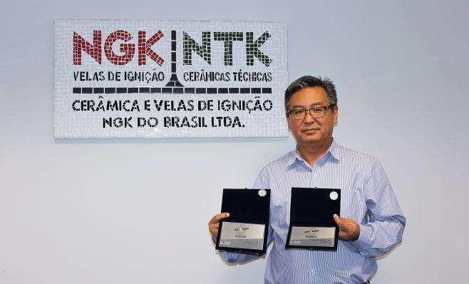 Imagem ilustrativa da notícia: NGK recebe placas do Prêmio AutoData