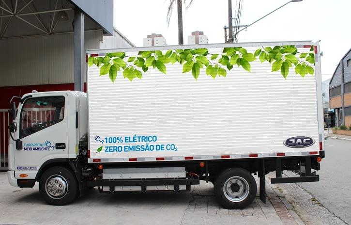 Imagem ilustrativa da notícia: Jac lança caminhão iEV 1200T e picape iEV 330P