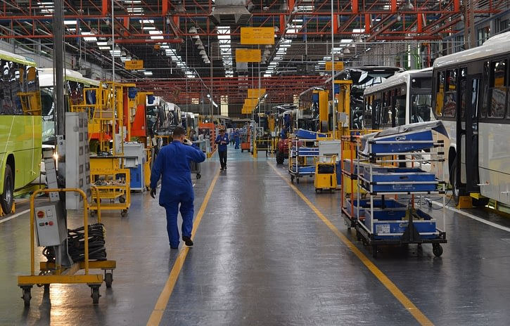 Imagem ilustrativa da notícia: Marcopolo retoma a produção no RJ e no RS