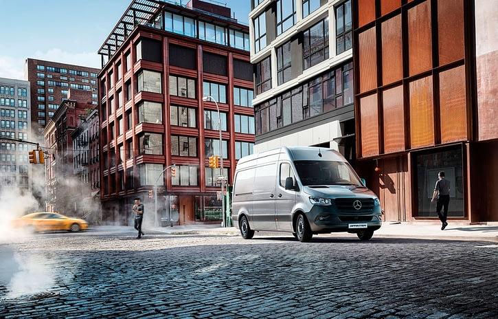 Imagem ilustrativa da notícia: Mercedes-Benz Sprinter bate recorde de vendas