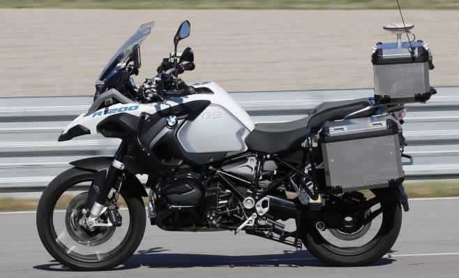 Imagem ilustrativa da notícia: BMW mostra moto autônoma