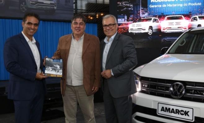 Imagem ilustrativa da notícia: A nova revista AutoData nas mãos de Pablo Di Si, da VW