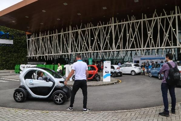 Imagem ilustrativa da notícia: Paraná zera IPVA de carro elétrico