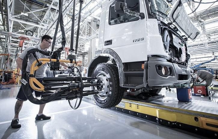 Imagem ilustrativa da notícia: Indústria de caminhões dobra produção e tem melhor resultado desde 2014