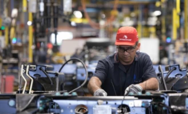Imagem ilustrativa da notícia: Meritor projeta crescimento de 30% para caminhões