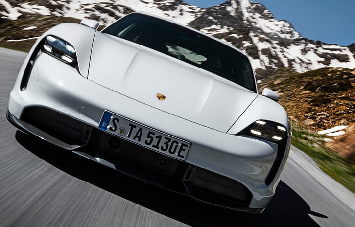 Imagem ilustrativa da notícia: Porsche apresenta esportivo 100% elétrico