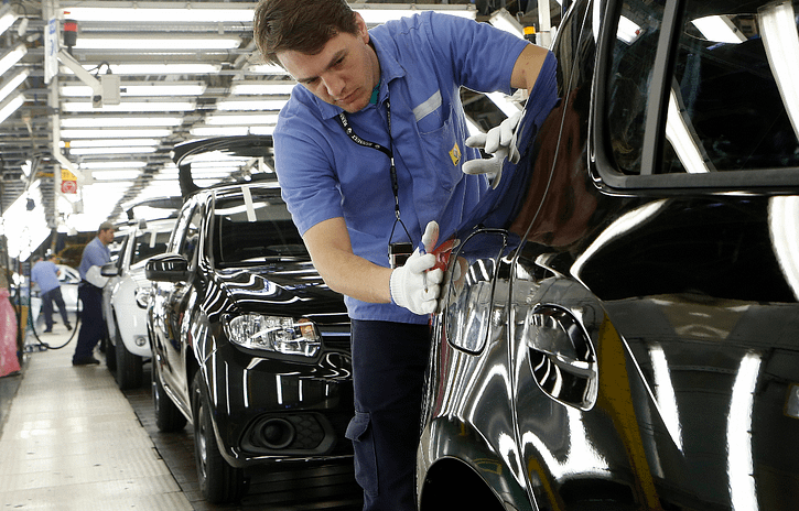 Imagem ilustrativa da notícia: Renault paralisa produção por falta de componentes eletrônicos