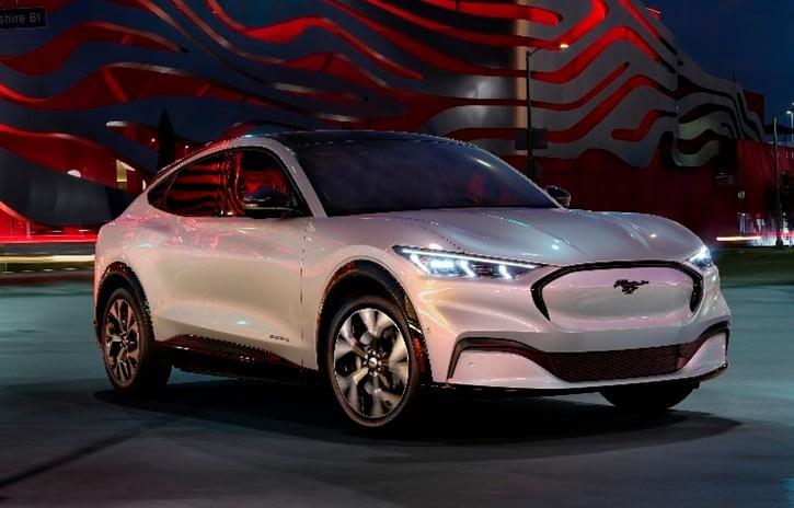 Imagem ilustrativa da notícia: Mach-E é o SUV elétrico derivado do Mustang