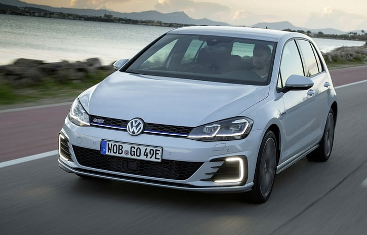 Imagem ilustrativa da notícia: Volkswagen promete Golf GTE até dezembro