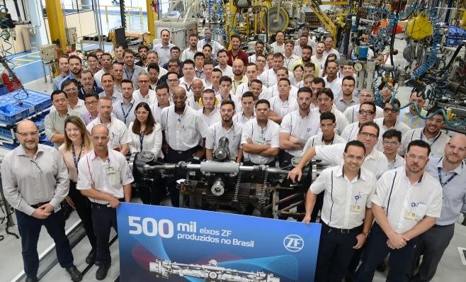 Imagem ilustrativa da notícia: ZF atinge a marca de 500 mil eixos produzidos no Brasil