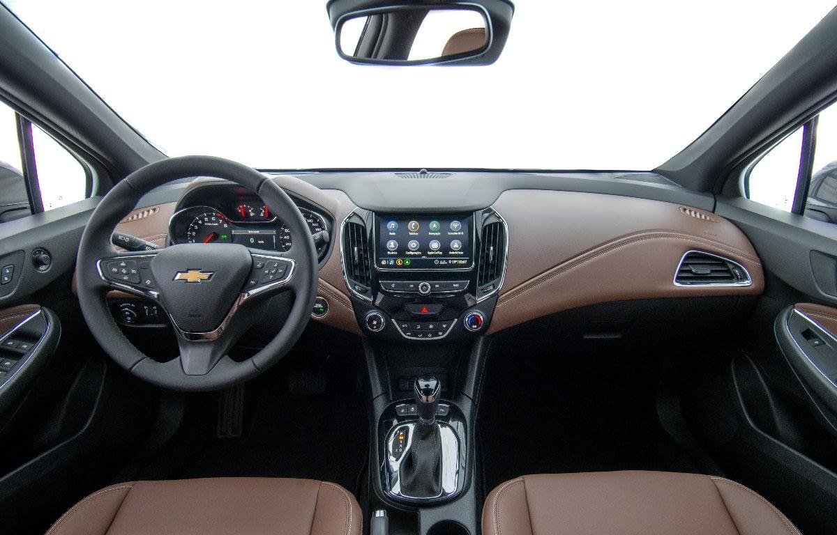 Imagem ilustrativa da notícia: GM mexe no design do Cruze e acrescenta itens