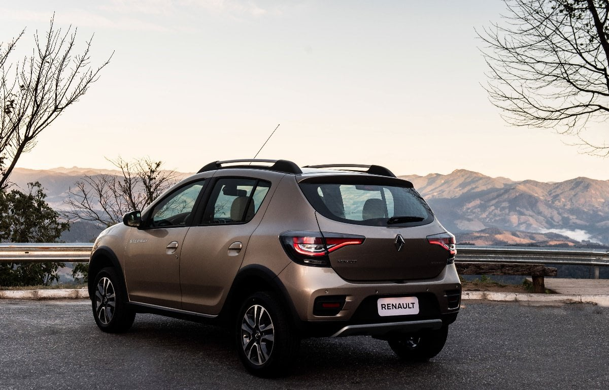 Imagem ilustrativa da notícia: Stepway 2020 torna-se SUV e abandona o nome Sandero